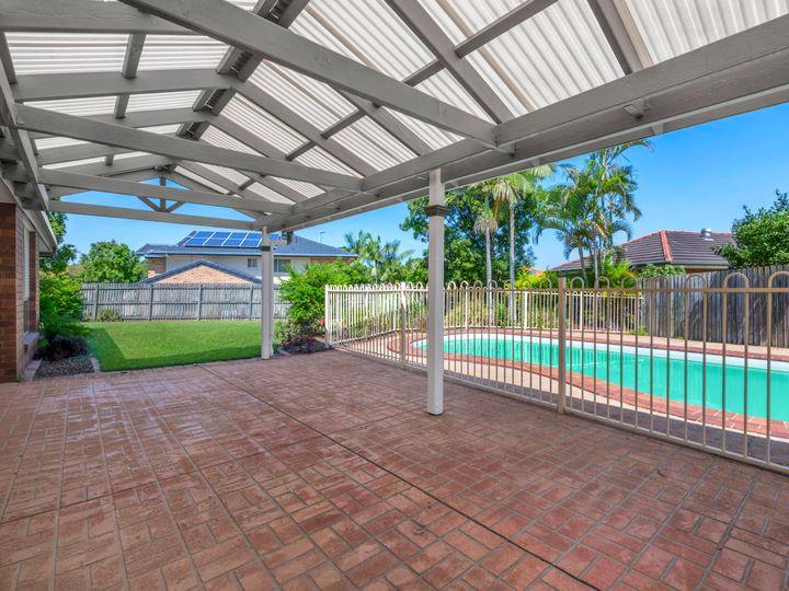 38 Trinity Place, Bridgeman Downs, QLD