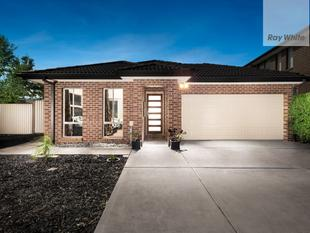 ULTRA MODERN WITH FOUR BEDROOMS - South Morang