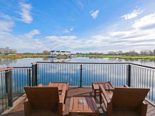 Lakeside Villa - Clearwater - Harewood