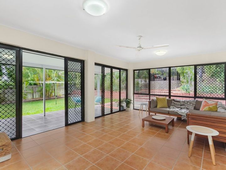 54 Riverbend Drive, Douglas, QLD