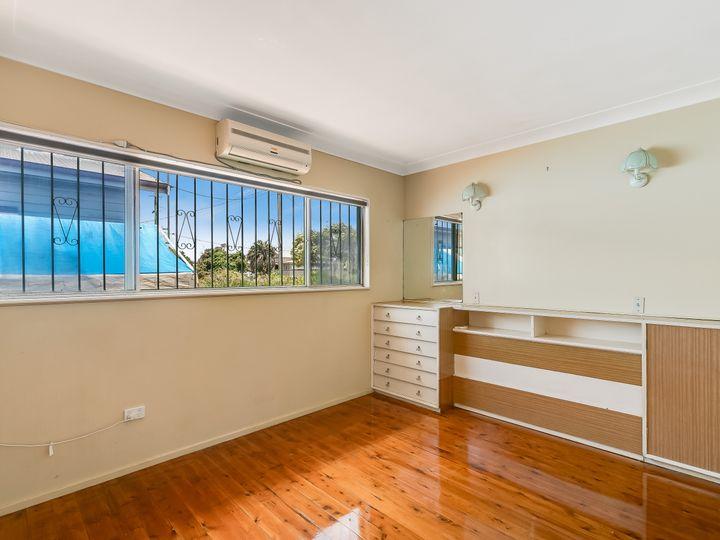 213a Campbell Street, Newtown, QLD