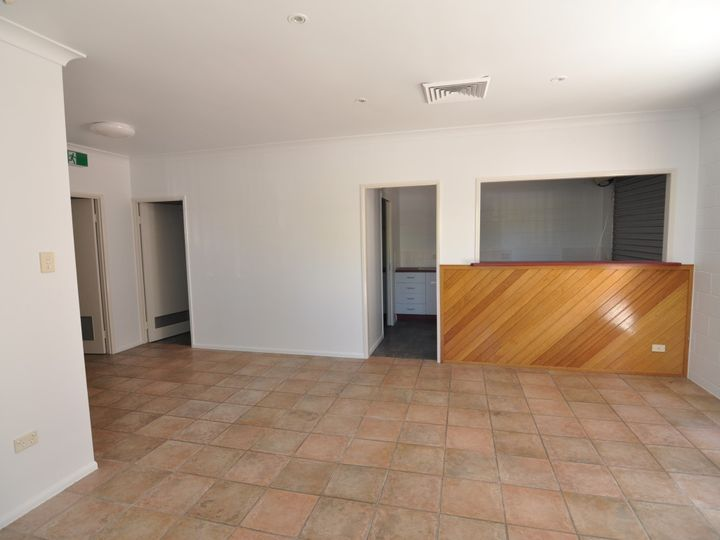 Suite 5 14 Keane Street, Currajong, QLD