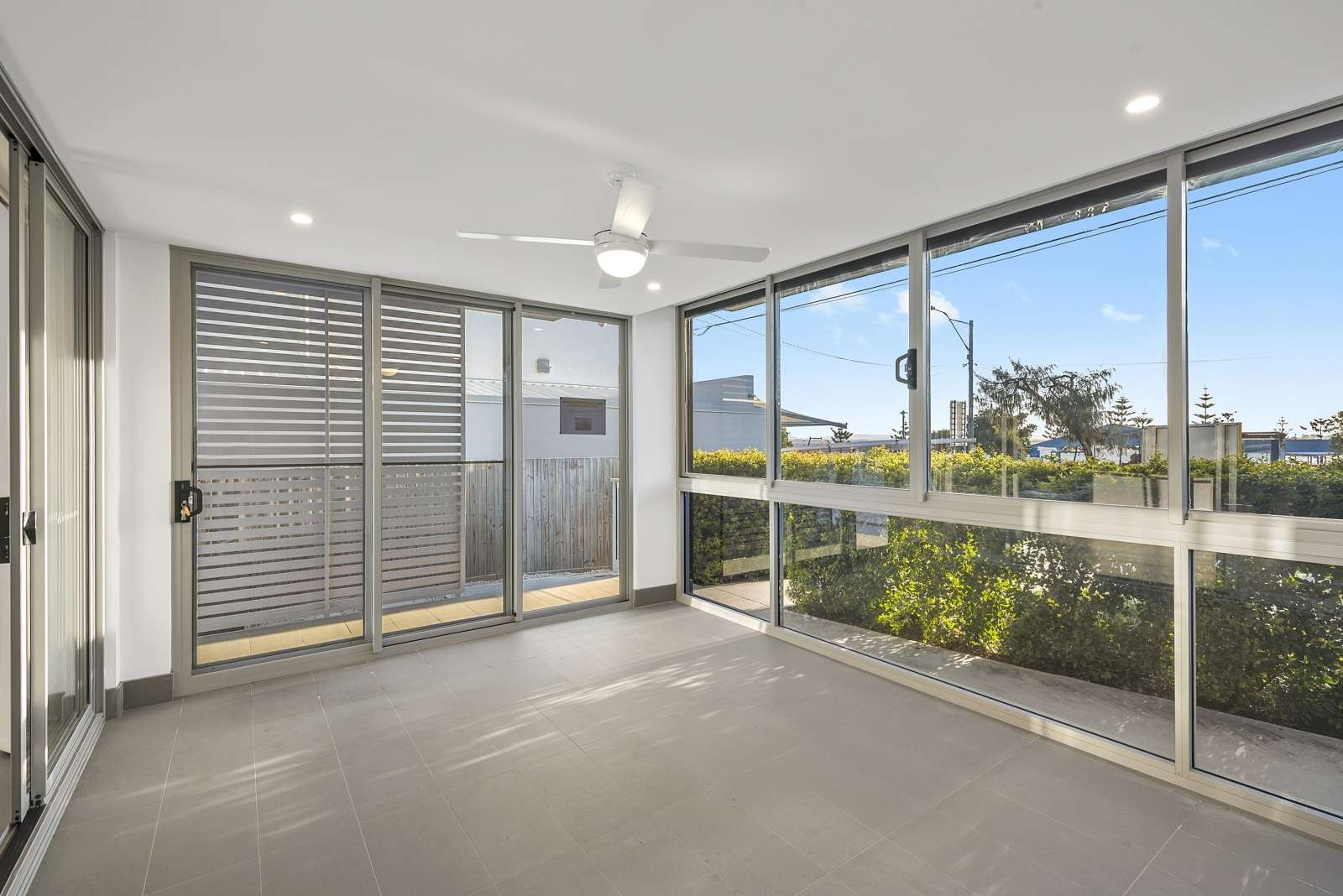 1/52 Oxley Avenue, Woody Point, QLD 4019