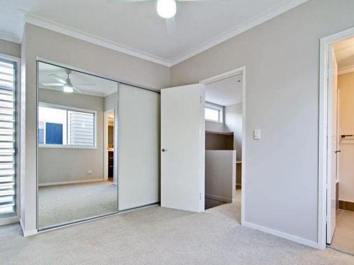 2/11 Lucy Street, Gaythorne, QLD