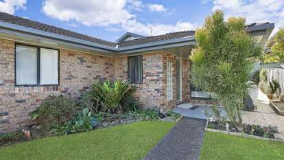 2/55a Macquarie Road, Fennell Bay