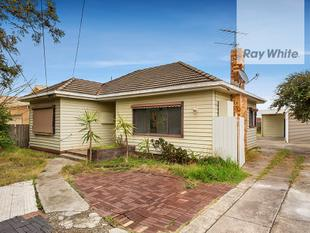 FAMILY HOME WITH PLANS & PERMITS! - Fawkner