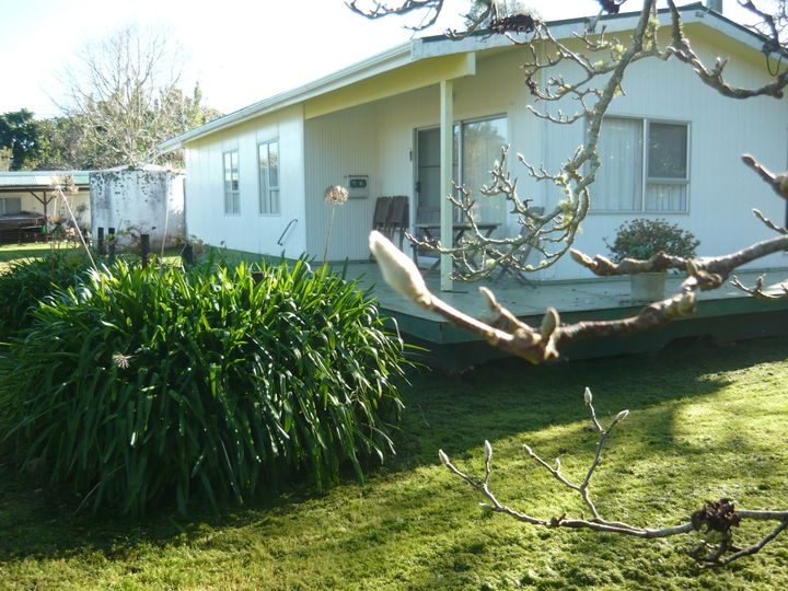 5 Regent Street, Whakapirau, Kaipara District
