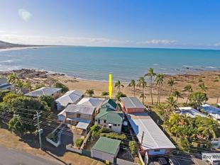 Cooee Bay absolute beach Frontage!! - Cooee Bay