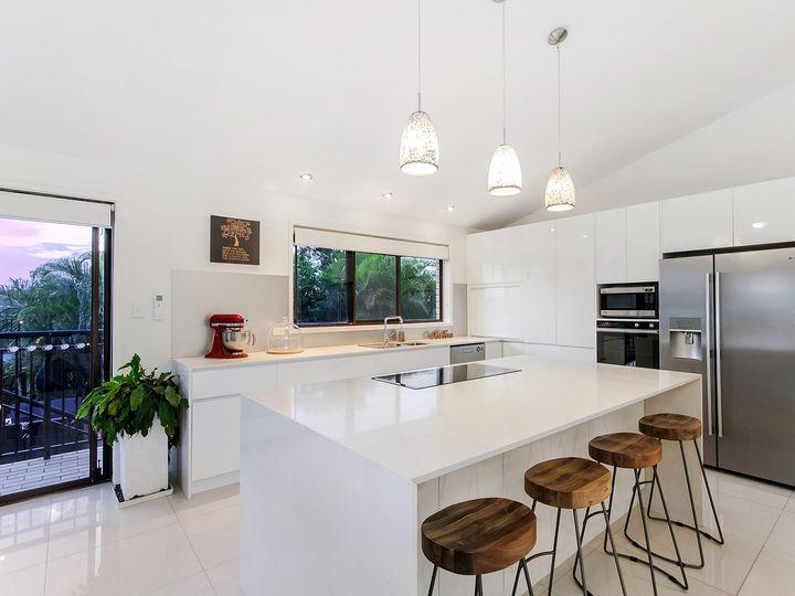 8 Bunya Court, Helensvale, QLD
