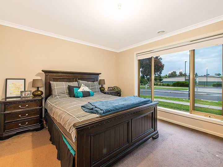 29 Stately Drive, Cranbourne East, VIC