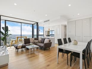 One-of-a-kind Luxury Skyhome Boasting Magical Views - St Leonards