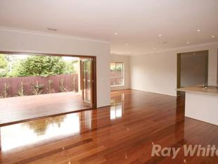 5 Bedroom Luxury Home - Glen Waverley