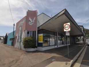 Small Fringe CBD office - rear workshop also available - West End