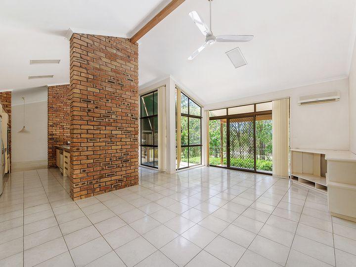 46 Woodlands Way, Parkwood, QLD
