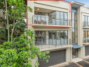3 Bedroom and 2 Bathroom Apartment in Remuera - Remuera