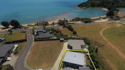 11 Leisure Lane, Takaka