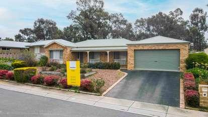 17 Lukin Crescent, Kangaroo Flat