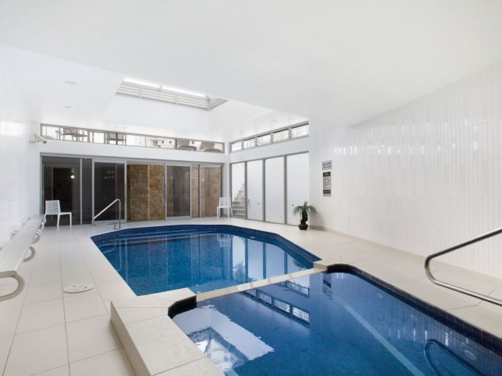 2 'Ocean Royale' 4 Britannia Avenue, Broadbeach, QLD