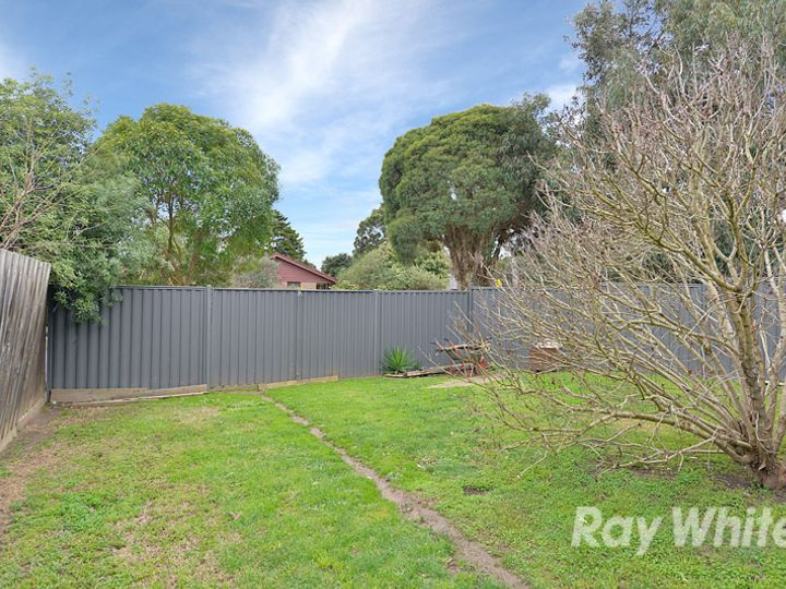 16 Windermere Drive, Ferntree Gully, VIC
