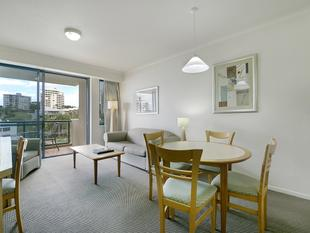 OUTSTANDING RIVERFRONT VALUE - Kangaroo Point