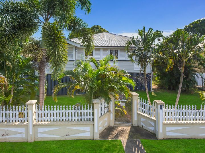 92 Tenth Avenue, Railway Estate, QLD