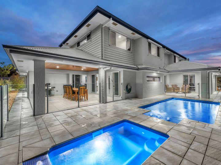 8 Cassia Street, Bridgeman Downs, QLD
