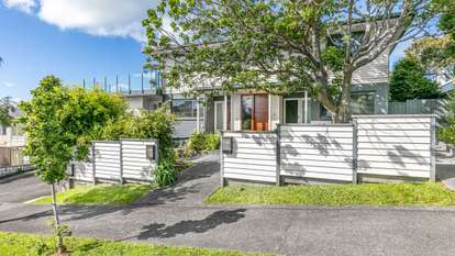 2/226 Gowing Drive, Meadowbank