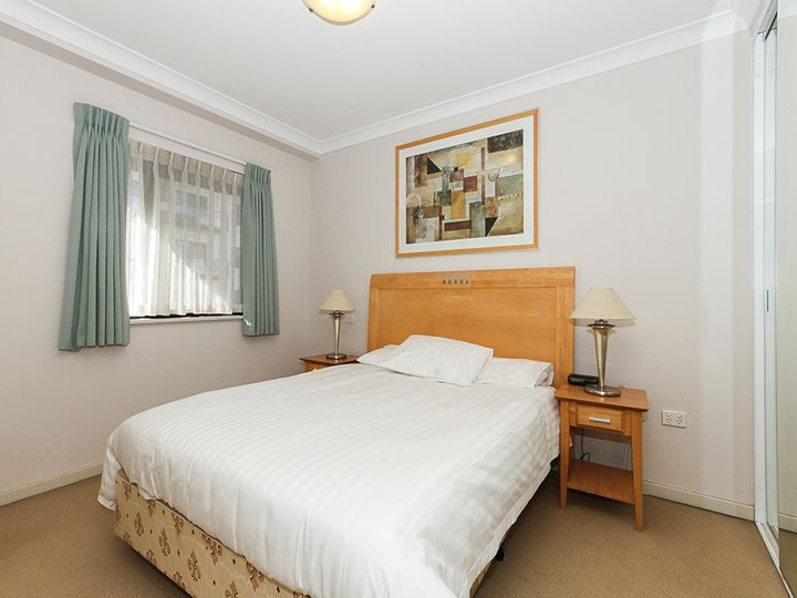 34/126 Mounts Bay Road, Perth, WA
