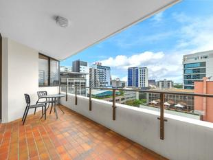 Huge 86m2 One Bedroom Apartment - Spring Hill