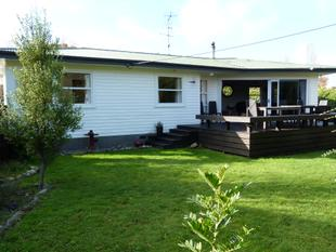 Room for all the family plus much more! - Featherston