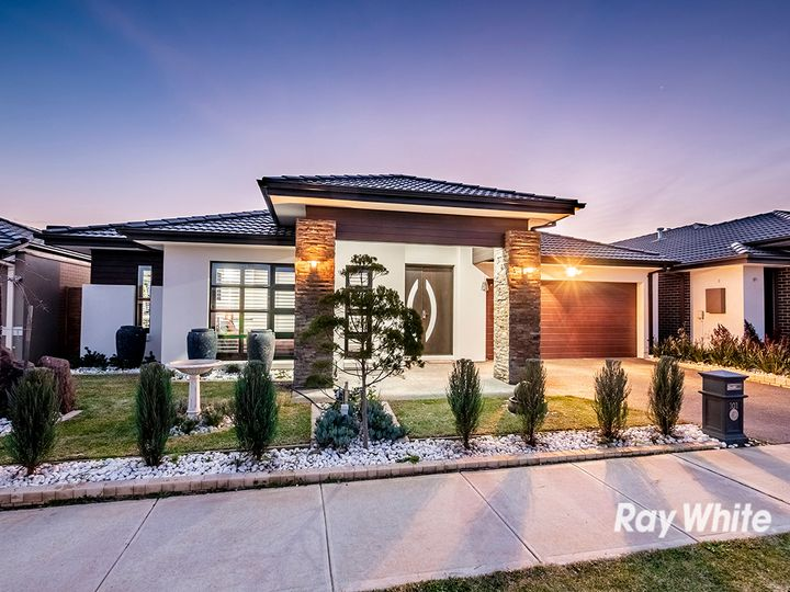 101 Wheelers Park Drive, Cranbourne North, VIC