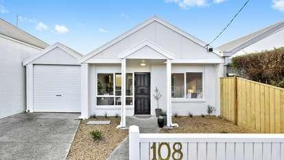 2/108 Gertrude Street, Geelong West