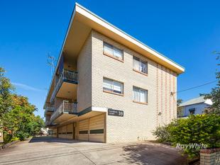 FULLY FURNISHED - JUST MOVE IN! - Clayfield