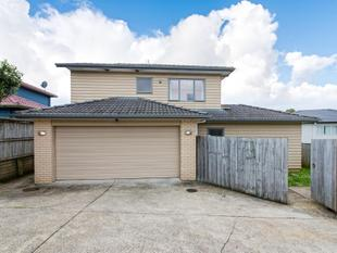 Easy Living in Central Location! - Henderson