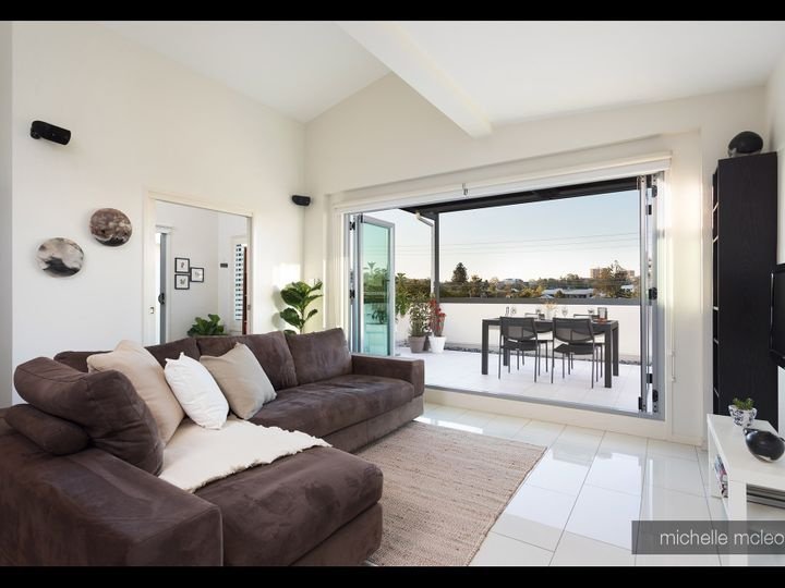 9/51 Lambert Road, Indooroopilly, QLD