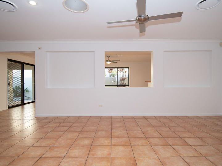 65 Arun Drive, Arundel, QLD