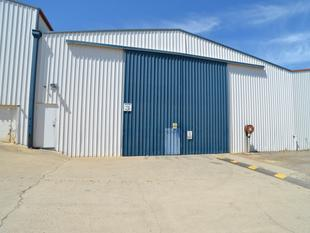 330sqm* Warehouse In Secure Complex - Kingston