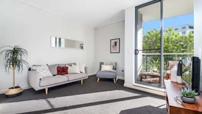2/27 Bennelong Parkway, Wentworth Point