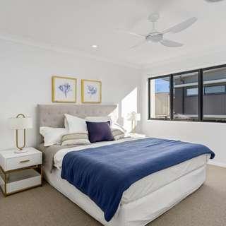 Thumbnail of 35 SICKLE Avenue, Hope Island, QLD 4212