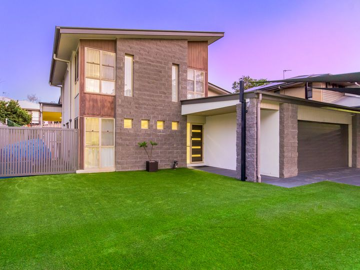 22 Calypso Court, Oxenford, QLD