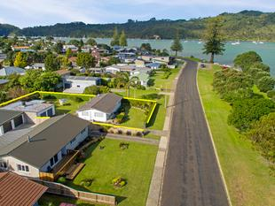 MILLION DOLLAR LOCATION... - Whitianga