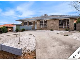 Large 4 Bedroom Home With Studio - Queanbeyan West