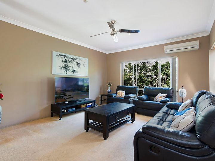 57 Eastwood Drive, Mansfield, QLD
