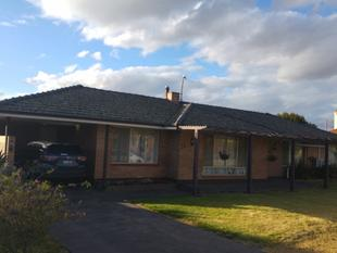 Large family home in central Katanning - Katanning