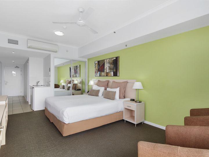 802/2 Dibbs Street, South Townsville, QLD