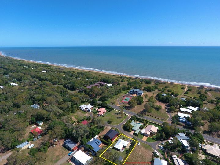 9 Sandpiper Grove, Moore Park Beach, QLD