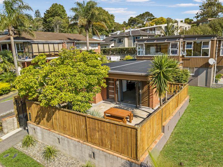 31A Hawkins Street, Meadowbank, Auckland City