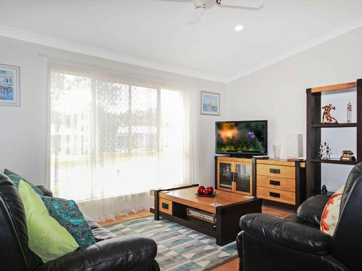 8 Coljohn Street, Landsborough, QLD