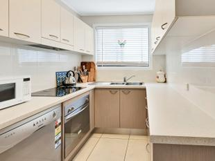 PERFECT FOR INVESTORS OR FIRST HOME OWNERS - CLOSE TO THE BROADWATER - Biggera Waters
