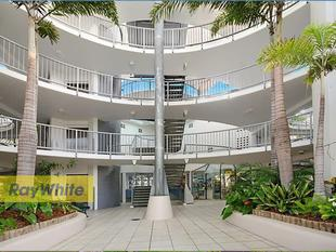 BEST & CHEAPEST UNIT IN THE COMPLEX! WIN/WIN! - Mooloolaba